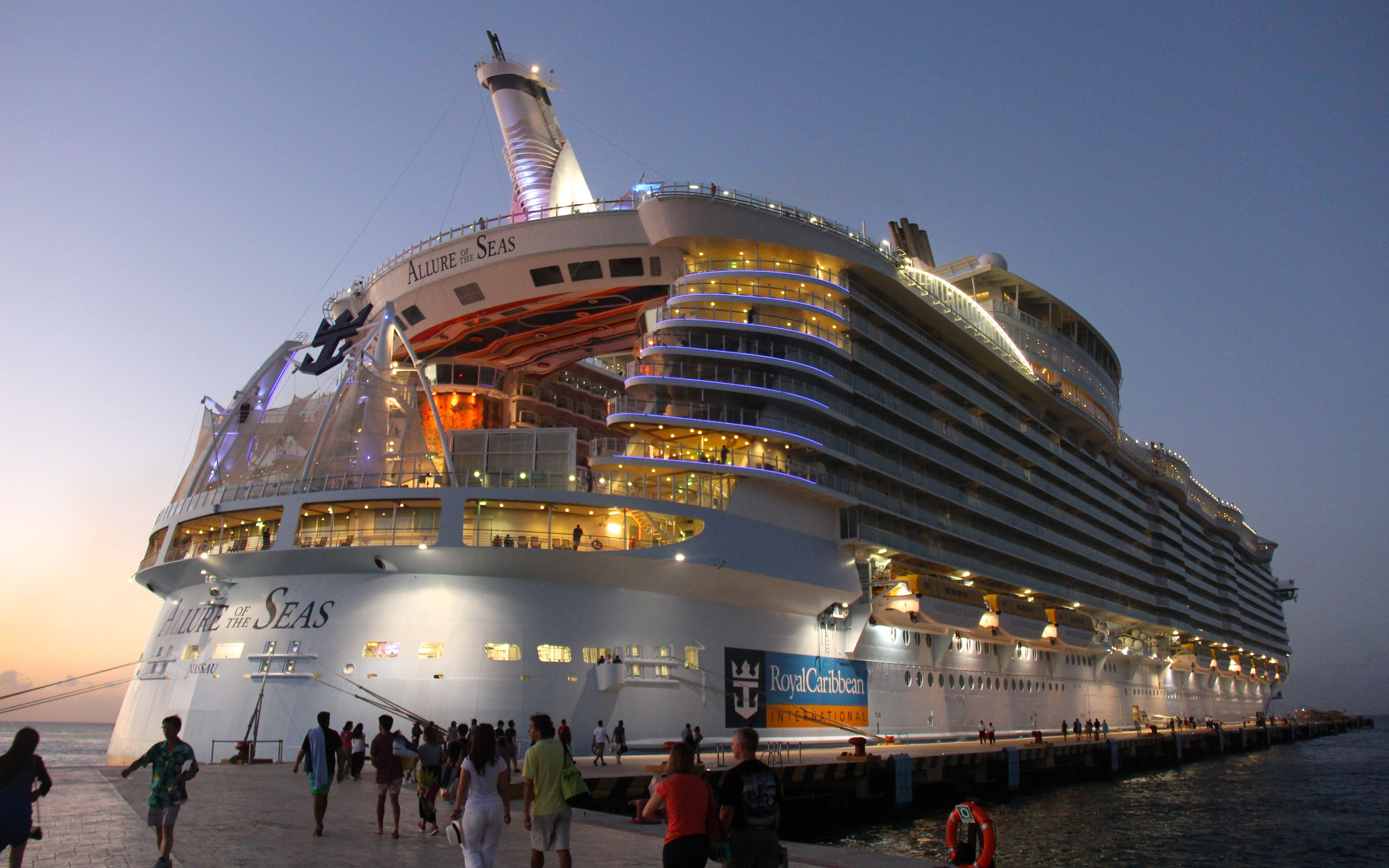 Allure Of The Seas Cruise Review Dec 15 2013 Size Isn