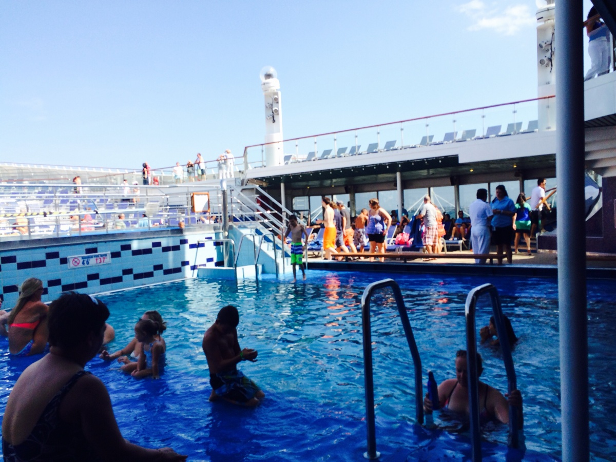 Pool - Carnival Victory