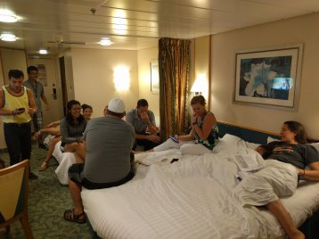 Family Oceanview Stateroom on Freedom of the Seas