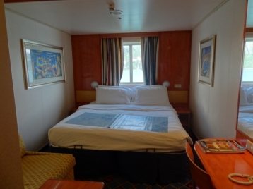 Family Oceanview Picture Window Stateroom on Norwegian Jade