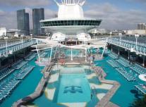 Pool on Empress of the Seas