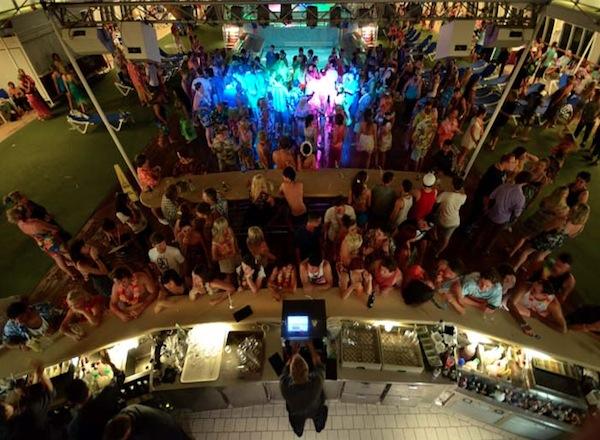 Lido Pool Bar on Pacific Jewel