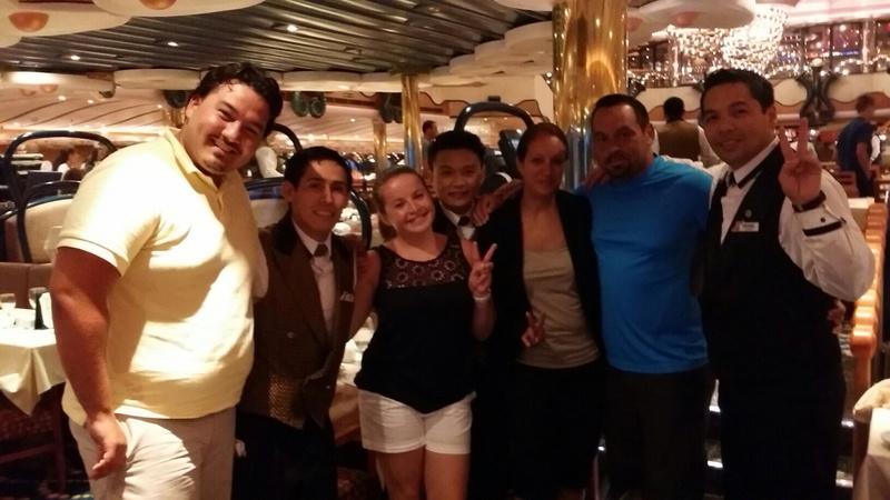 Carnival Splendor, Dining, The Gold Pearl Restaurant