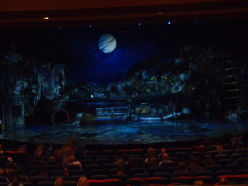 Cats production set - Oasis of the Seas