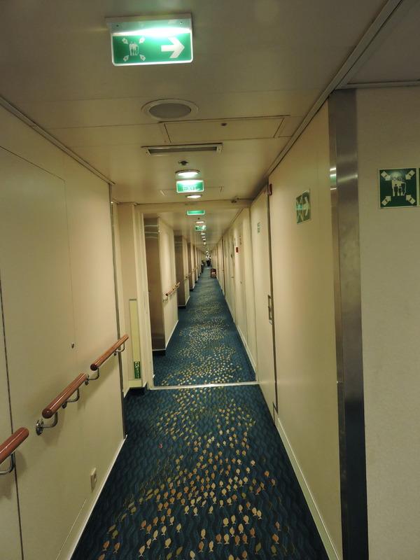 Mid-Ship Inside Stateroom on Norwegian Sun