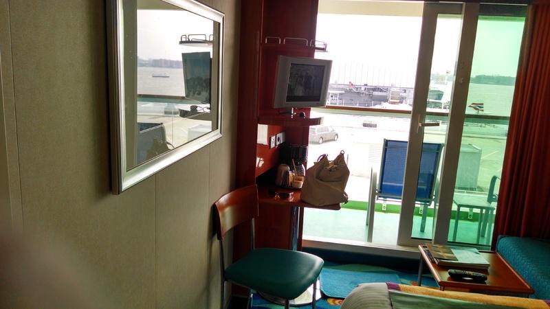Mid Ship Balcony Stateroom Cabin Category Su Norwegian Gem
