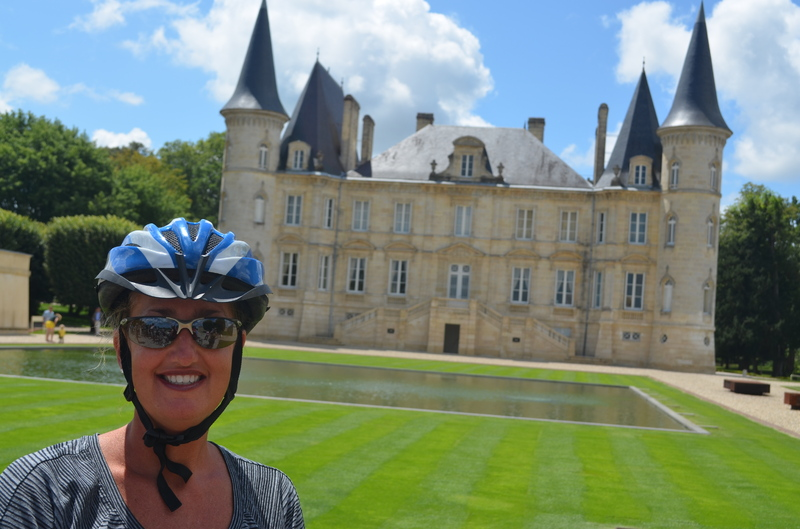 Biking through the vineyards to chateaux and wine tastings!