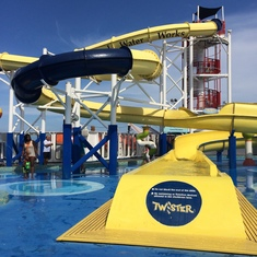 "Twister Water Slide (42"" tall to ride)"