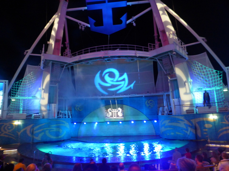 Aqua Theater Night Show - Allure of the Seas