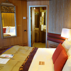 Bedroom in Pinnacle Suite, Cabin 7001, Zaandam, HAL