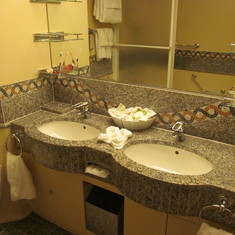 Double vanity bathroom