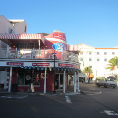 Nassau, Bahamas - shop to catch the bus 10