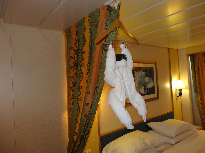 Freedom of the Seas cabin 7692 - loved the towel animals