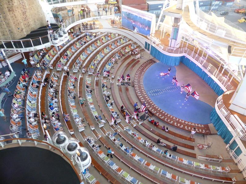 Aqua Theater Show - Allure of the Seas