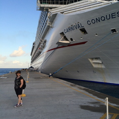 Disembarking the Carnival 'Conquest' at Grand Turk.