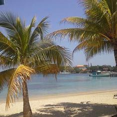 Mahogany Bay, Roatan, Bay Islands, Honduras - Roatan Island Beach