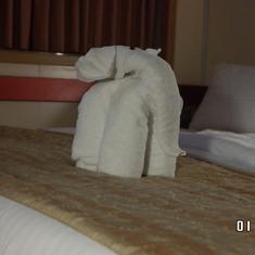bed elephant