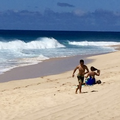 Honolulu, Oahu - Rough surf on Oahu's north west shore