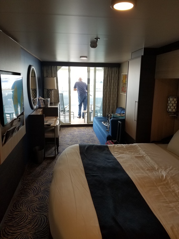 Balcony cabin 13594 on anthem of the seas category d2 for Anthem of the seas inside cabins
