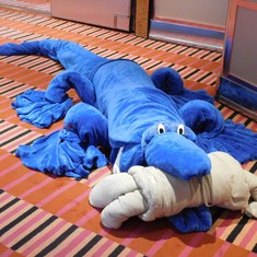 Blue towel alligator