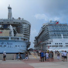 Philipsburg, St. Maarten - St Maartins, 7 ships in this day