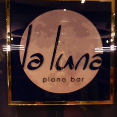 La Luna Piano Bar