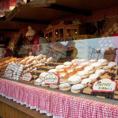 Sweet treats at Europe's Christmas markets!