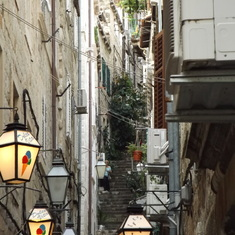 One of the narrow hill streets of Dubrovnik