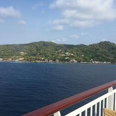 waking up to Roatan, Honduras!