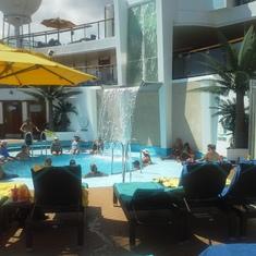 Serenity pool  5 star