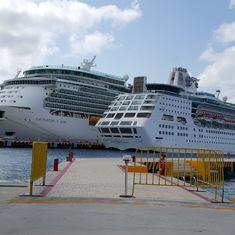 Navigator and Empress at International Pier