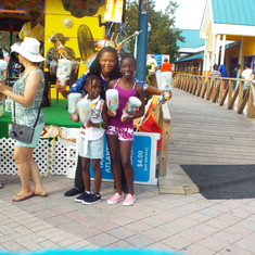 Nassau, Bahamas - nassau bahamas very welcoming they saw us standing there and she gave the kids