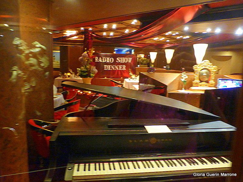 Radio Show in Pinnacle Restaurant - Amsterdam