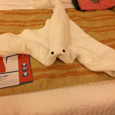 Ft. Lauderdale (Port Everglades), Florida - Stingray towel animal