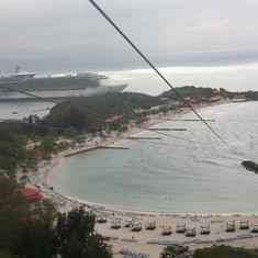 Labadee (Cruiseline Private Island) - Zip line in Haiti