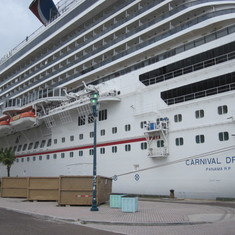 Freeport, Grand Bahama Island - Beautiful Ship