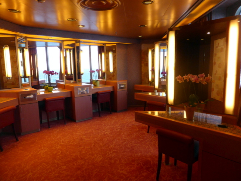 Large Elegant Ladies Restroom - Amsterdam