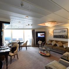 suite 1080 livingroom