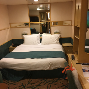 Large Interior Stateroom on Grandeur of the Seas