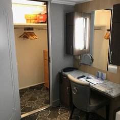 Cabin 8006 Royal Suite