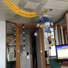Bon Voyage Streamers
