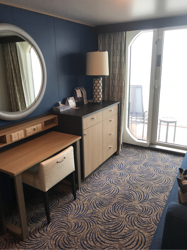 balcony cabin 8188 on anthem of the seas  category d8