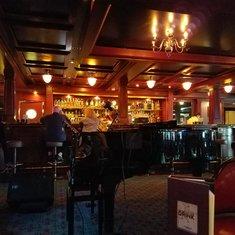 Captian Cook''s Bar on Norwegian Sky