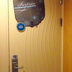 Surprise decoration on Cabin 9688in Door