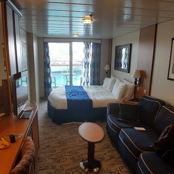 Superior Oceanview Stateroom with Balcony on Jewel of the Seas