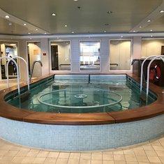 Therapeutic pool