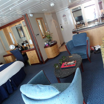 Grand Suite with Balcony on Independence of the Seas