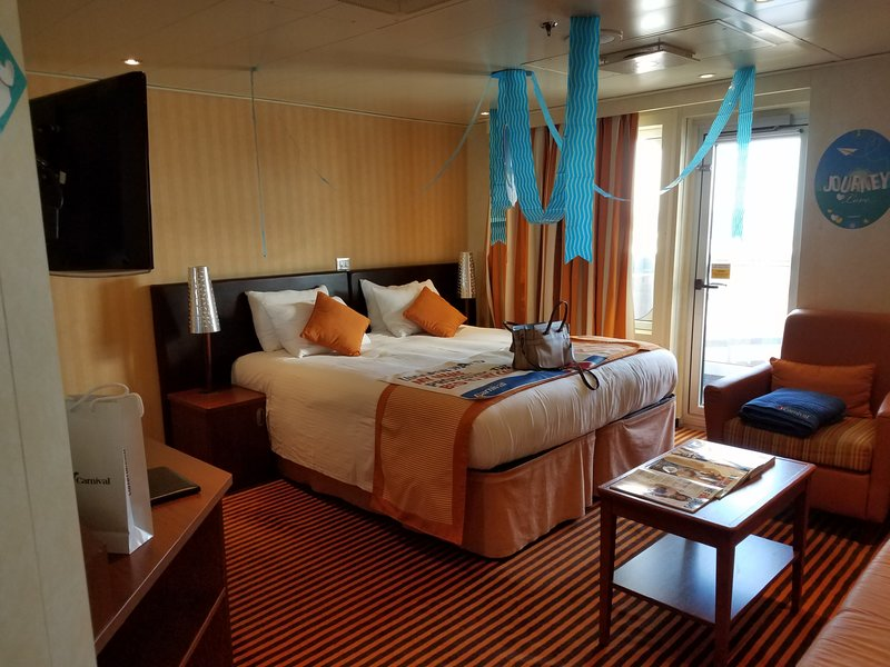 Suite 9206 On Carnival Valor, Category YU