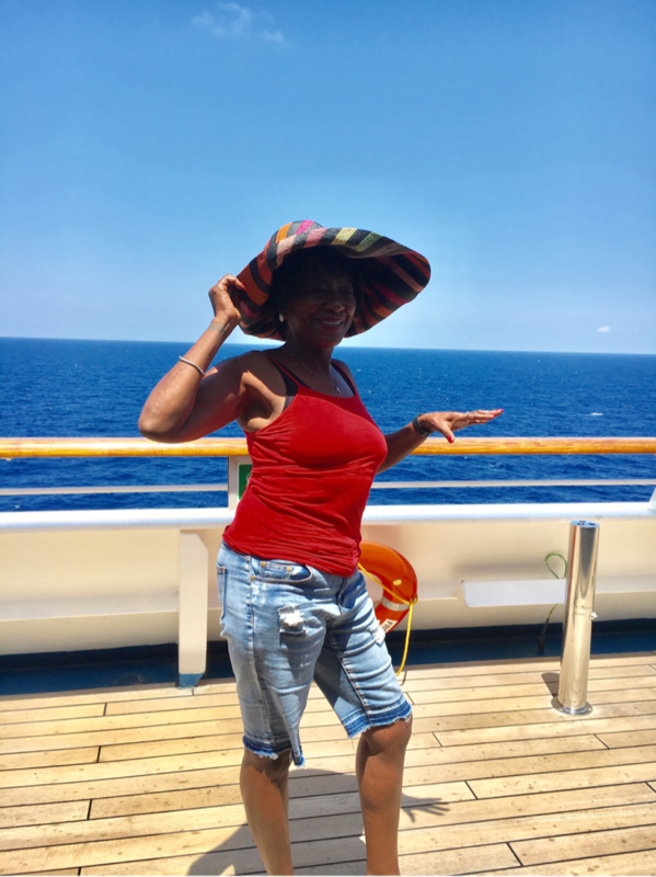 chilling - Carnival Freedom