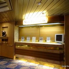 Shore Excursion Desk